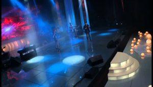 Christine Pepelyan Feat. Arman Hovhannisyan – Erb Indz Het Es (Concert in Hamalir 2012)