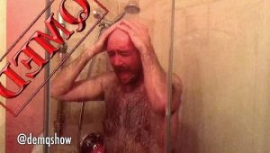 DEMQ SHOW – American Taking Shower VS Armenian Taking Shower