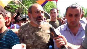 After being released, Nikol Pashinyan march to Republic Square